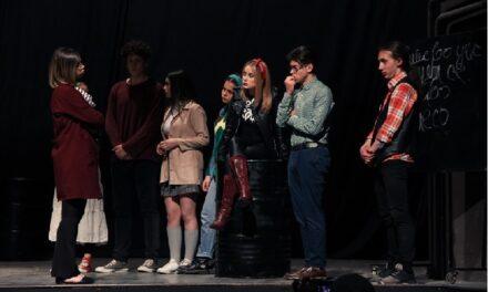 """Театар """"Дунек"""" – """"Бенг, бенг…"""", претстава за тоа како не треба да биде меѓу средношколците"""